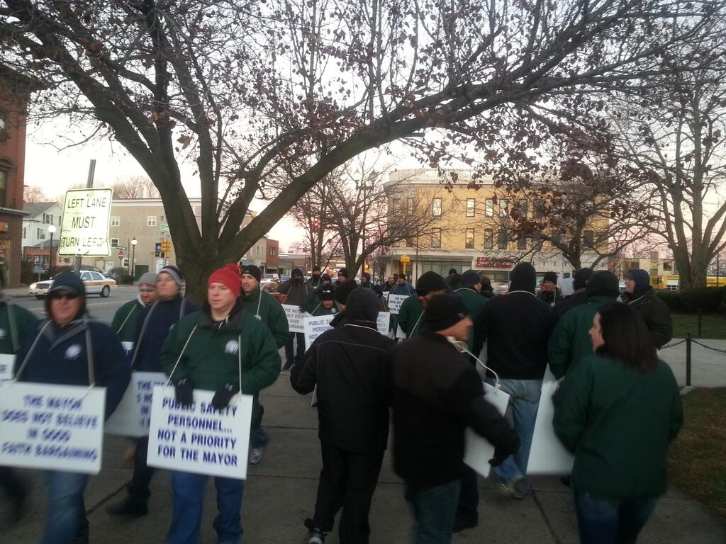Waltham Police Hold Informational Picket at Mayor's Event
